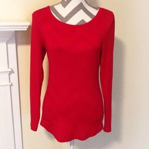 Crown & Ivy Red Long Sleeve Tee w/Scoop Neckline